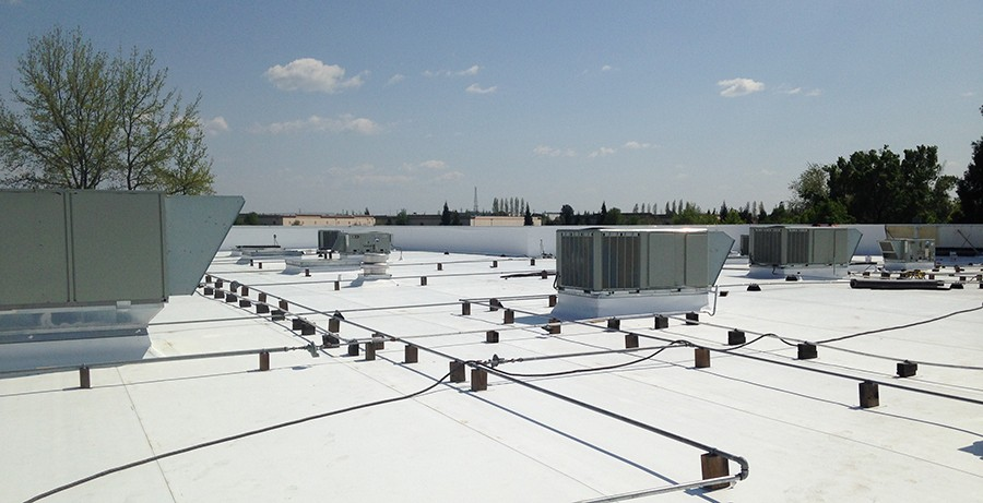 commercial roofing in davenport, IA